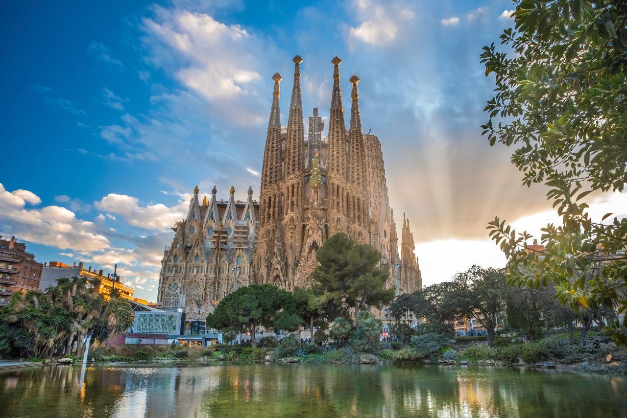 A walk through modernism Sagrada Familia