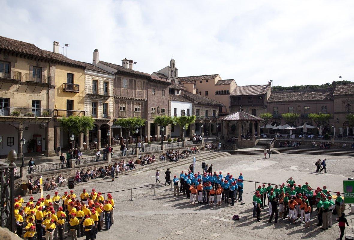 Catalan Traditions team building Poble Espanyol