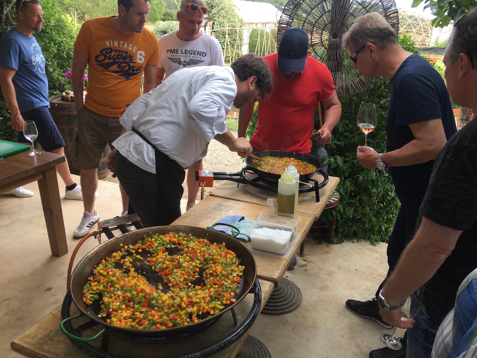 paella workshop team building
