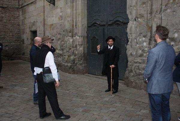 SPECIAL TOUR BARCELONA ACTORS