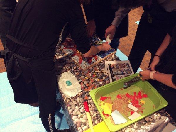 trencadis art activity team building barcelona