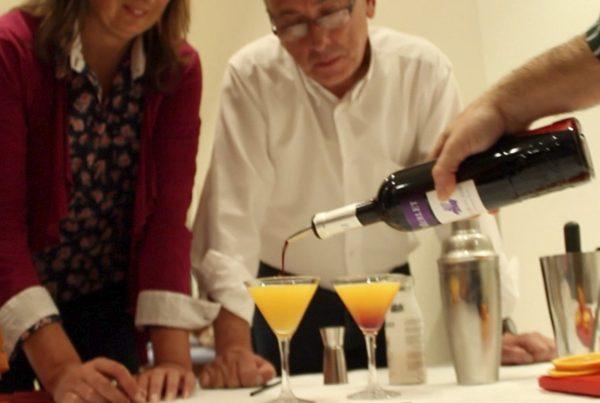 cocktail workshop team building barcelona