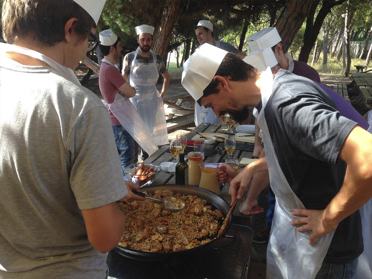 paella competition team building barcelona