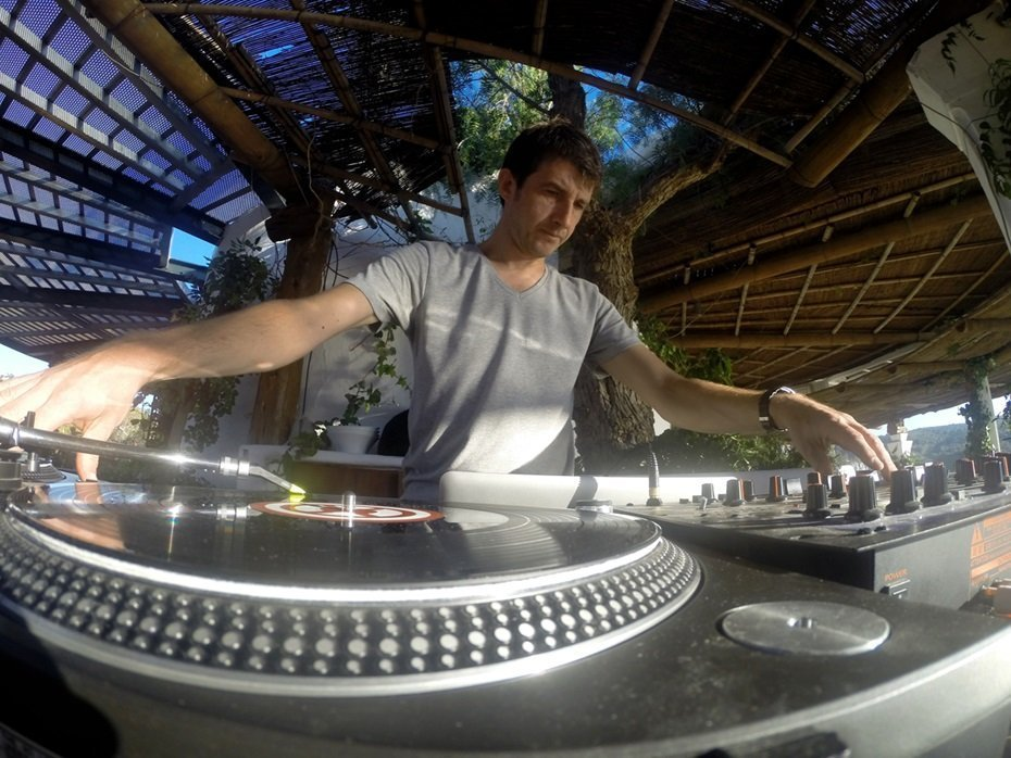 DJ LA CAT live entertainment
