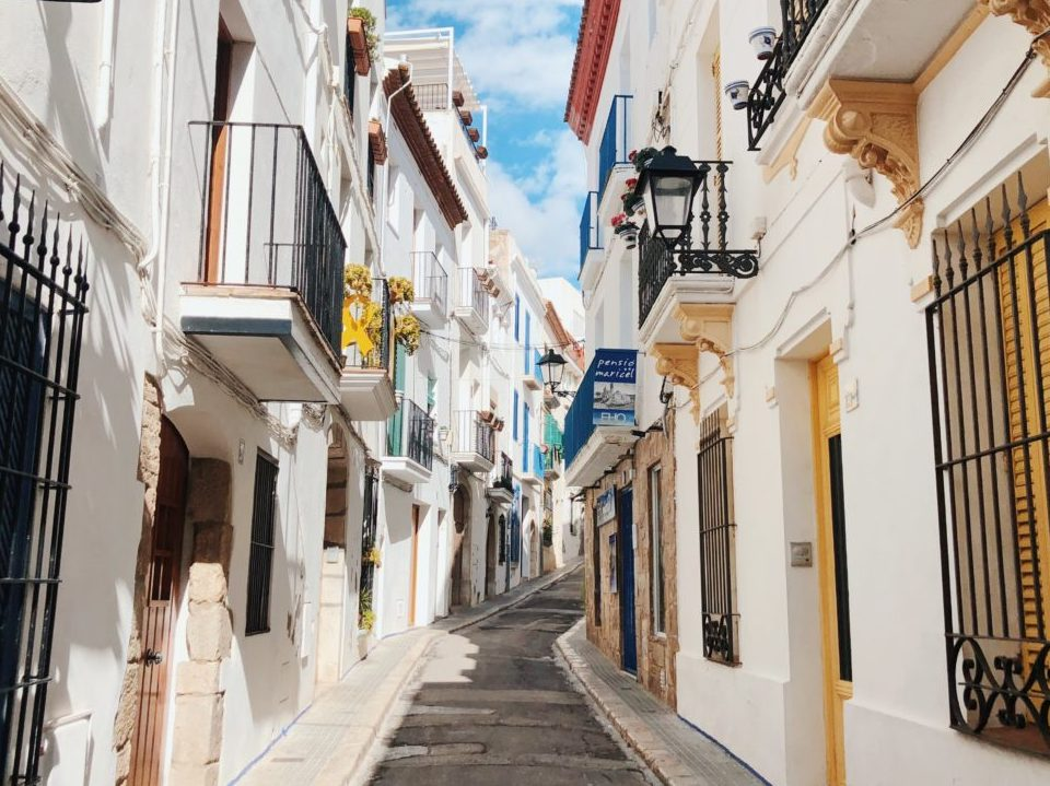 Outdoor meeting experiences Old town Sitges