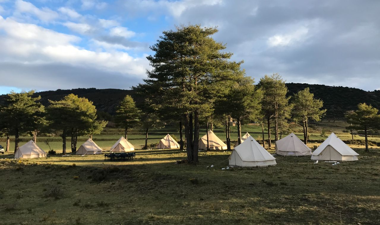 Outdoor seminaire Glamour campsite Pyrenees corporate evemt