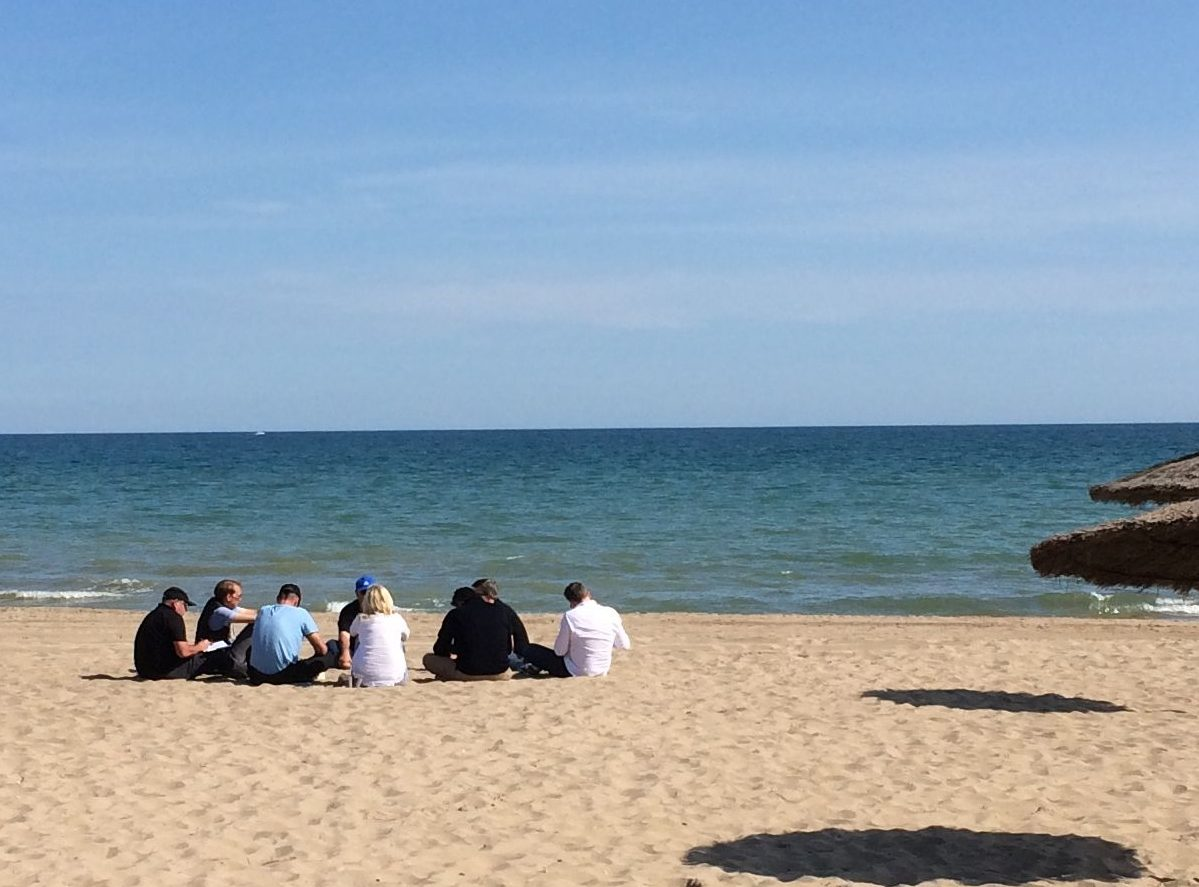 Outdoor meeting BEACH Gava Mar